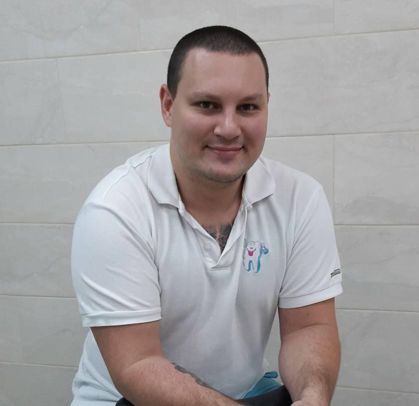 Дрогачов Олексій Сергійович стоматолог